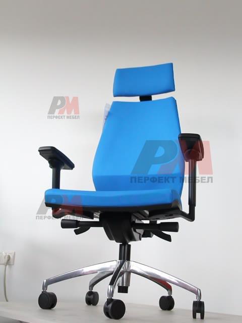 сини офис столове по поръчка с луксозна визия