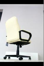касиви офис столове до 120 кг.